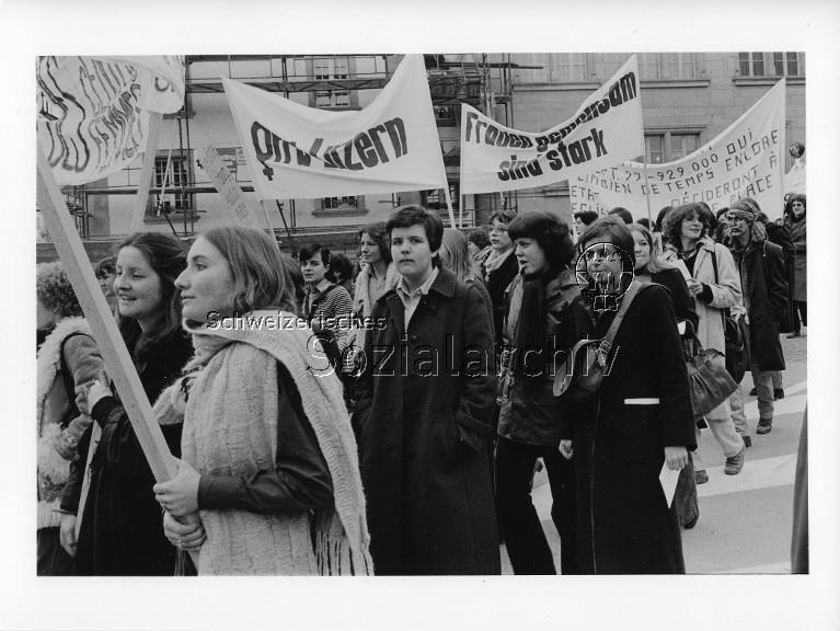 Geschichte der Frauenbewegung